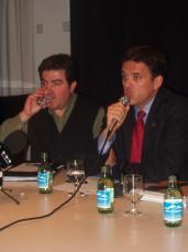Durant la presentació Josep Romero, regidor de Comerç i Lluís Recoder.