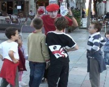 La ciutat reconeix la humanitat i el compromís social de Sílvia Servan