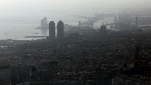 El govern desactivarà a les set del matí l'alerta per contaminació a l'àrea metropolitana