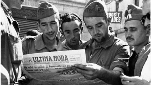 Portada de 'Periodistes indòmits' / Foto: Editorial Base