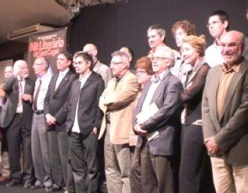 Albert Balasch juntament amb escriptors i personalitats de la ciutat