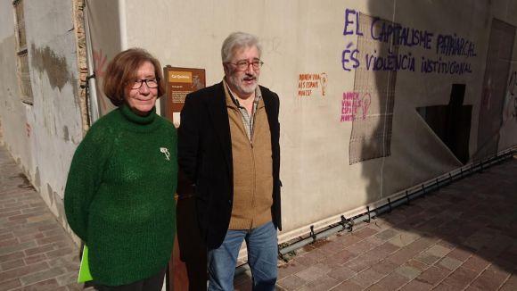 Roser Casamitjana i Jordi Casas, davant de Can Quitèria