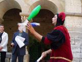La Fira Medieval es va presentar al Claustre del Monestir