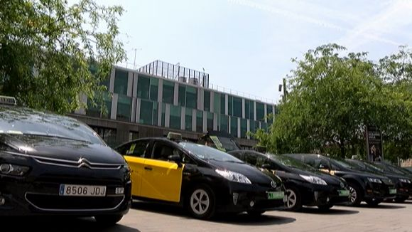 Els taxistes santcugatencs aplaudeixen l'enduriment del codi de vestimenta de l'IMET
