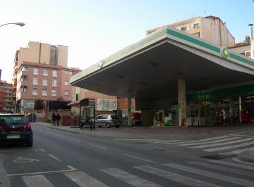 Promusa vol fer pisos per a la gent gran al solar adjacent a la benzinera de Rius i Taulet