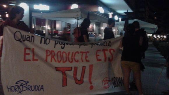Hora Bruixa exposa un cas de publicitat sexista al restaurant La Barra de Pinchos