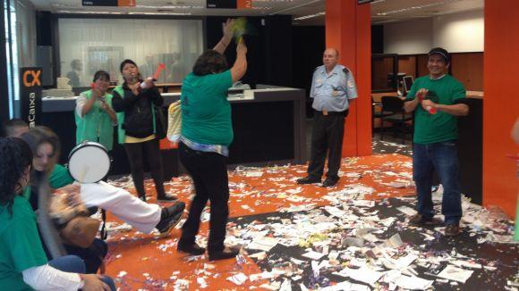 Nova acció a Sant Cugat de la PAH de Rubí per pressionar CatalunyaCaixa