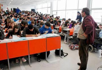 300 estudiants posen a prova avui els seus coneixements matemàtics