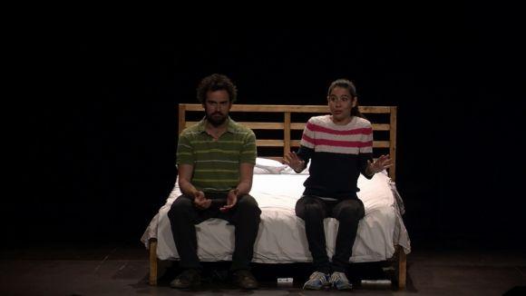 'Pulmons' retrata la generació de la incertesa al teatre del Casal de Mira-sol
