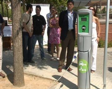 La fira del vehicle elèctric i el nou punt de recàrrega consoliden Sant Cugat com a pionera de la mobilitat elèctrica