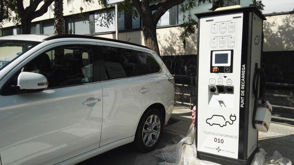 Tres anys de la instal·lació del primer punt de recàrrega ràpida per a vehicles elèctrics