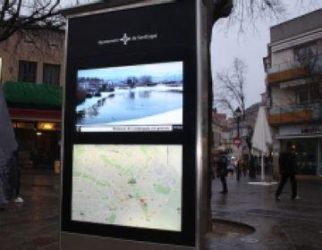 Els santcugatencs ja poden accedir a informació municipal des d'un quiosc multimèdia