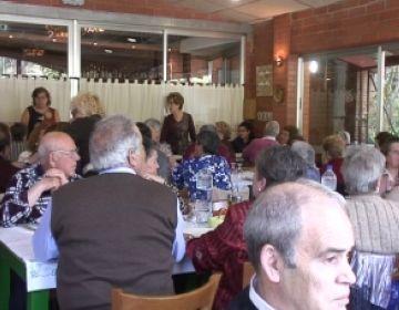 El Racó de l'Amistat de les Planes reuneix 60 persones en el dinar del seu 14è aniversari