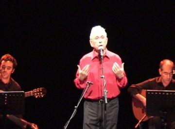 Raimon colpeix el públic amb un emotiu concert