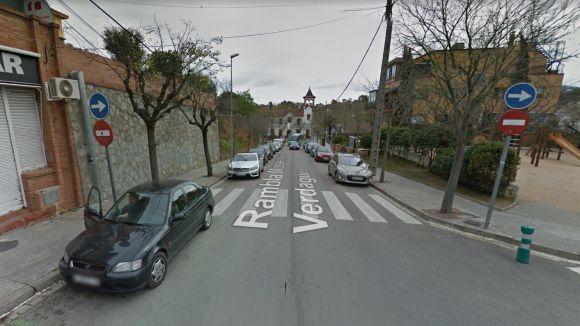 Afectacions a les places d'aparcament a la rambla de Jacint Verdaguer per les obres de la plaça-mirador