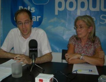 Bruno de Salvador i Maria Dolors Domènech en un moment de la roda de premsa