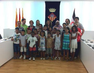 L'Ajuntament rep els infants sahrauís i referma el compromís amb el seu poble