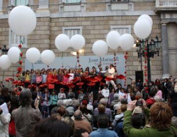 L'escola Joan Maragall homenatja el poeta juntament amb altres centres i personalitats públiques a Barcelona