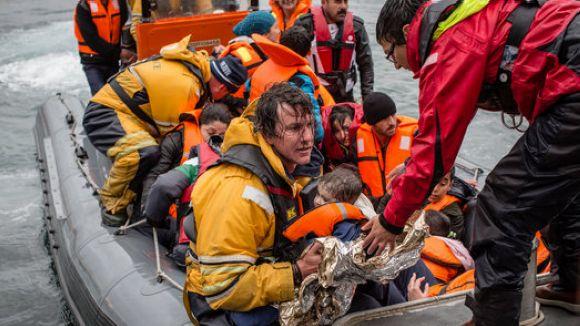 La Farga Infantil recull sabates i abrics per als refugiats de l'illa de Lesbos