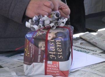 El paper reciclat, una alternativa per embolicar els regals aquest Nadal