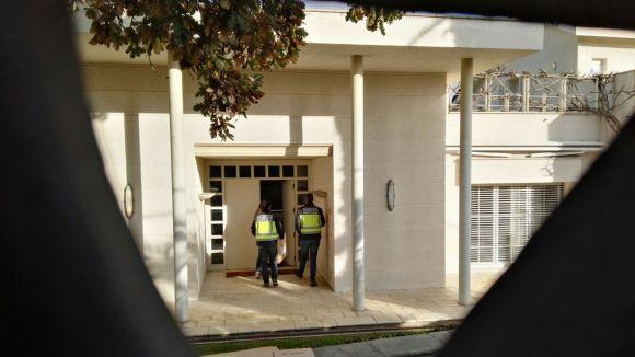 Registren una casa de Valldoreix en una operació internacional contra estafes a ciutadans de la Xina