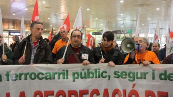 Els sindicats fixen en un 70% el seguiment de la vaga de Renfe