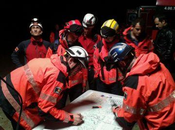 Els bombers s'entrenen per fer rescats a Collserola