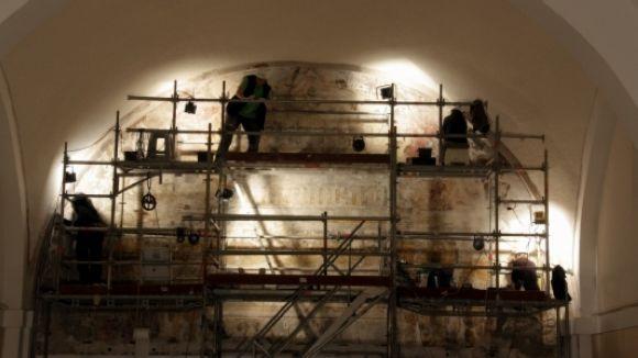 Part dels frescos del convent es restauren a Valldoreix / Foto: ACN