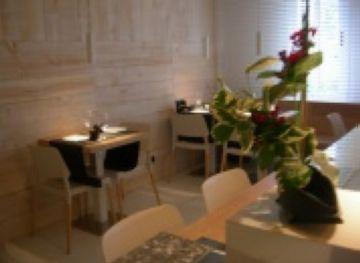 Obre les portes a la plaça d'Octavià el restaurant japonès Zuka