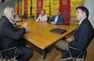 Trobada entre l'alcalde i l'expresident de l'associació Amics de la Unesco, Llorenç Batchellí