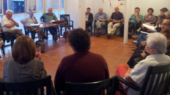 Imatge d'arxiu d'una reunió a un dels espais del Casal de Cultura de Valldoreix
