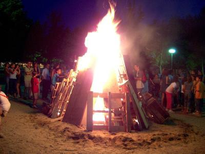 Els petards, les coques i la música protagonitzaran la nit de Sant Joan