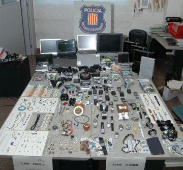 Detingudes sis persones com a presumptes autores de robatoris a Sant Cugat