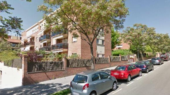 Entren a robar a dos pisos del carrer de Joan Maragall, a Coll Favà