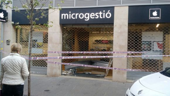 Entren a robar a la botiga Microgestió de Sant Cugat