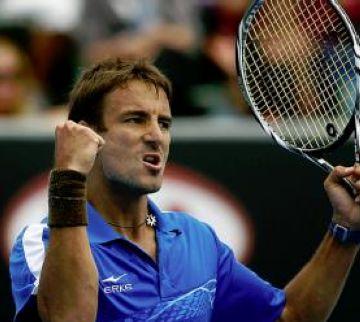 Robredo s'enfrontarà a Federer a vuitens
