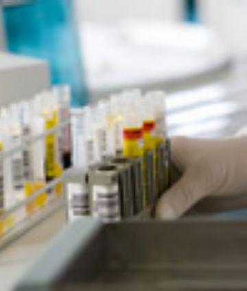 Dues farmacèutiques instal·lades a la ciutat, entre els 10 laboratoris que concentren el 80% del sector