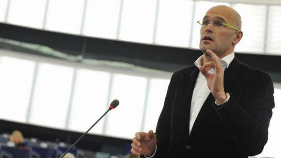 Romeva porta a Europa la comparació de Pedro J. Ramírez de les estelades al Camp Nou i l'Alemanya nazi