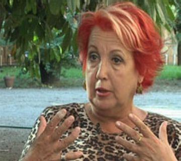 Rosa Maria Calaf durant una entrevista de Cugat tv
