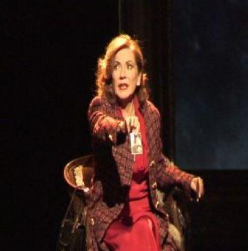 L'obra 'La dona justa' colpeix el públic del Teatre-Auditori