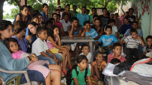 Rostros, Colores y Sueños continua la tasca solidària a Colama aquest estiu