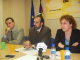 Joan Ridao i Pilar Dellunde i el nou president, Jaume Massanés.