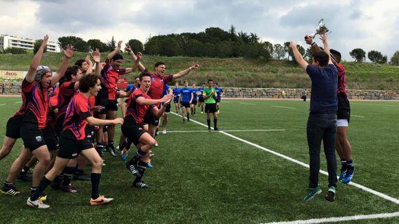 Els santcugatencs, celebrant el títol de Campionat de Catalunya fa uns dies / Foto:CRSC