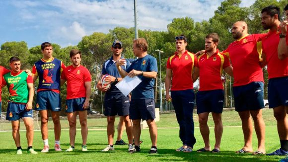 La selecció espanyola absoluta masculina de rugbi tanca l'estada al CAR aquest dimecres