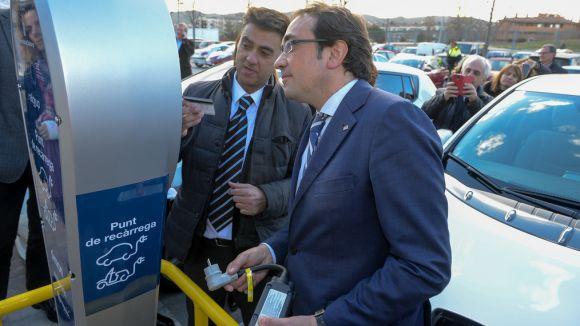 Sant Cugat té un nou punt de càrrega per a vehicles elèctrics a l'estació de Volpelleres