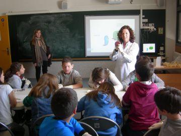 La Setmana de la Ciència desperta l'interès per aquesta disciplina entre els alumnes