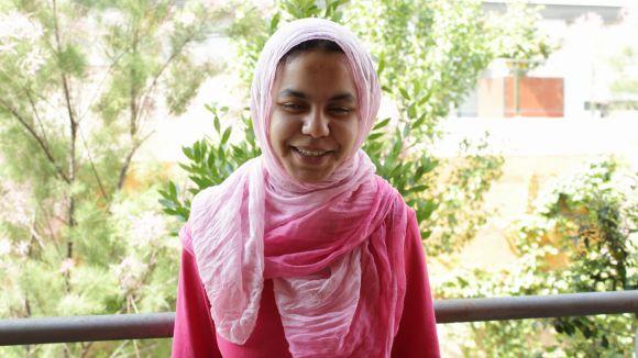 Una jove sahrauí del pis d'SCAPS, exemple de superació en un vídeo