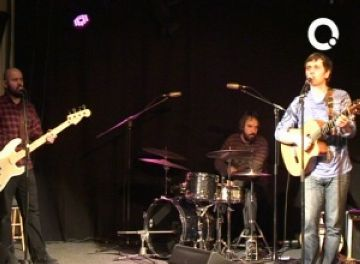 El ritme pop-blues de Sanjosex omple la Casa de Cultura