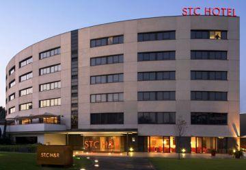 La ciutat veu reduïda en un 40% la seva oferta hotelera en ple mes d'agost