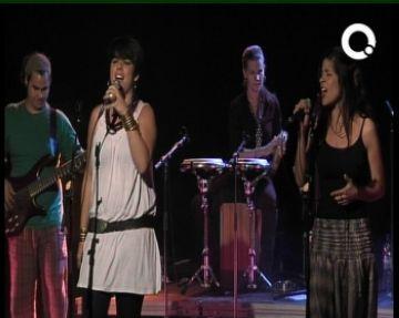 Saravacalé encomana la samba i la bossanova al públic al tercer concert del cicle 'Mou-te'